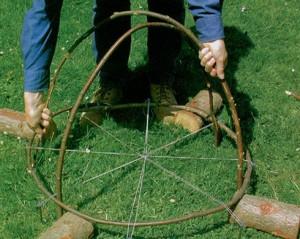 колпак-из-деревянных-прутьев-3