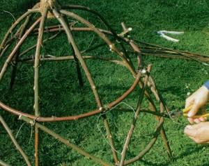 колпак-из-деревянных-прутьев-6